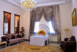 Фотоальбом «Холл банкетного зала». Банкетный зал «Большой ...: http://astana.restoran.kz/banquet/1911-bolshoy-zal-na-230-mest-restorana-altyn-ta-a/albums/51c91b562b4909b306000e1a