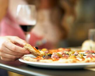 Как обмануть свой организм и не съесть вредную еду?