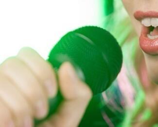 Пойте от души в караоке-баре Rass-Al!