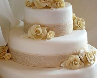 «Алма-Ата Hаll» дарит торт на торжество!
