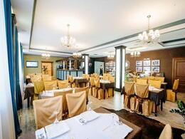 "Ресторан ""Goldman Empire Restaurant"""