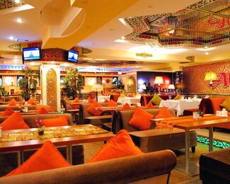 Акция для милых дам в баре Al Qasr!