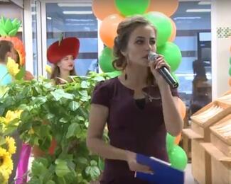 Ксения Готовская проводит открытие «Экомаркета»