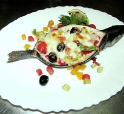 Форель запечённая с овощами