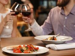 Ужин с любимой: что приготовили для женщин рестораны Караганды