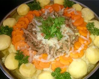 """С наступающим праздником! Казахское национальное блюдо """"Бешбармак"""" и вкусные баурсаки."""