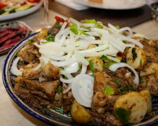 Афганский Куырдак со съедобными косточками в кафе «Аромат Востока»