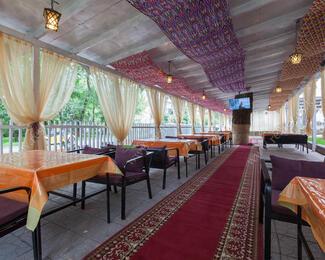 Ифтар в ресторане Hayat Lyazzati.
