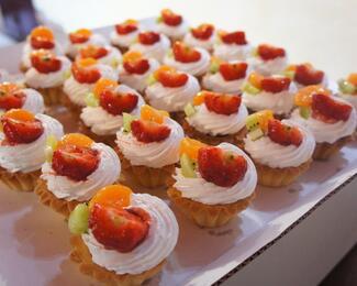 Сладкий десерт для крепости знаний от кафе Visit