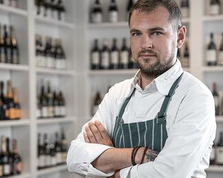 Артем Гилль: «Людям проще заказать спагетти, чем пробовать неизвестное блюдо»