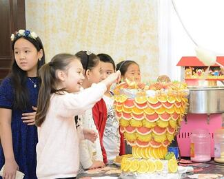 Детские праздники в новом банкетном зале ресторана «Гаухартас» ,также в подарок от ресторана аниматоры!Спешите к нам!