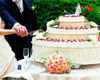 Ресторан «Ак Сарай» дарит торт и фуршет в подарок