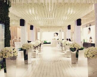 Проведите фотосессию в Farabi Wedding Hall